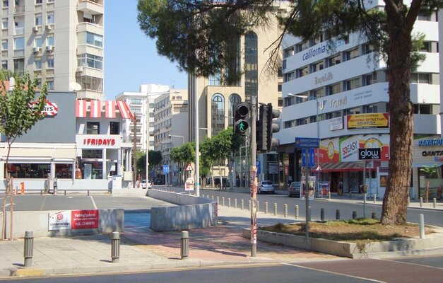 Themistokli_Dervi_Avenue_in_Nicosia_Republic_of_Cyprus